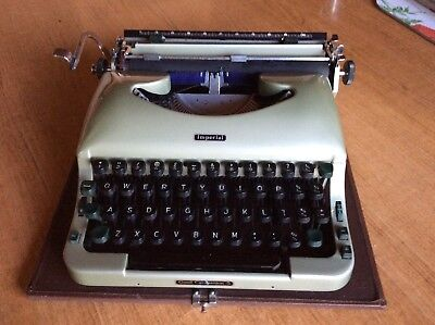 """Vintage Imperial """"Good Companion 5"""" Green Typewriter and Case"""