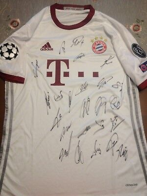 Bayern Munich CPL  16/17 Home Shirt Jersey Signed by full squad + COA
