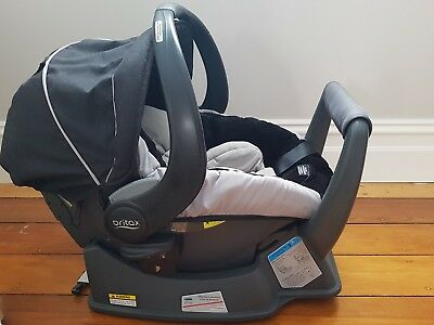 Britax safe n sound unity car baby capsule and base 2015 excellent condition