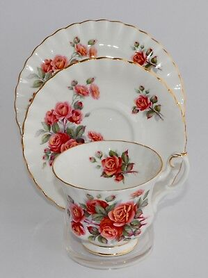 Pretty Vintage Royal Albert CENTENNIAL ROSE Trio