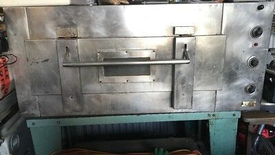 commercial pizza/ bakers oven