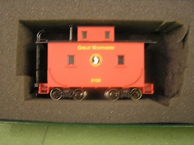 Bachmann On30  CABOOSE [ great northern ]