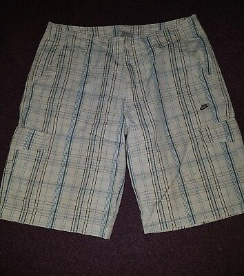 mens/boys gents  nike sports  shorts size large
