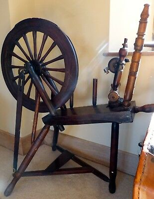 Beautiful Antique Traditional Spinning Wheel