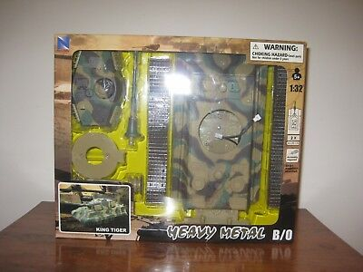 NEW-RAY 1:32 HEAVY METAL B/O MOTORIZED  KING TIGER  TANK Battery operated only