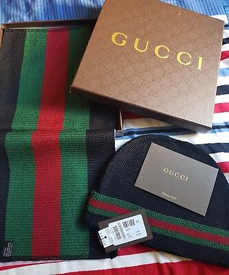 Gucci chritsmas scarf and hat gift set Black