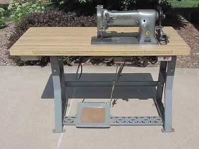 Singer Model 111W101 Commercial Sewing Machine - Nice!!