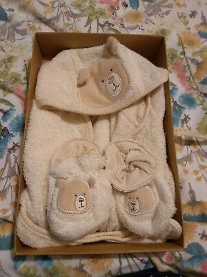 Nature's Purest Bathrobe and Slippers 0-6mths