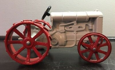 Fordson Toy Tractor By Ertl 1/16th Scale Red/White