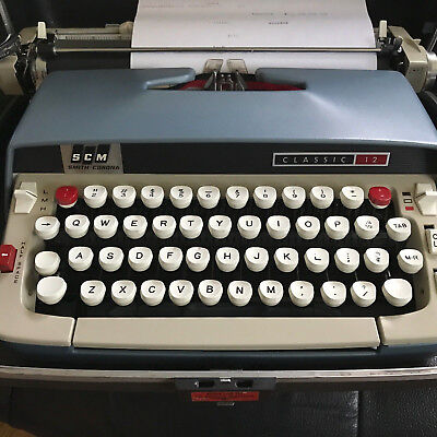 Vintage Smith-Corona Classic 12 Manual Typewriter Excellent Working Condition