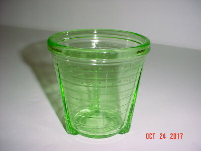 Vintage Vidrio Green Depression Glass 2 Cup / 1 Pint / 16 Oz Measuring Container