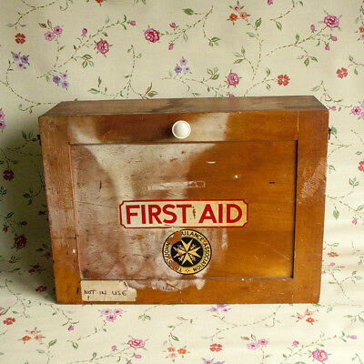 Vintage 1950s/60s St John's Ambulance FIRST AID Kit Cabinet Cupboard FREE UK P&P