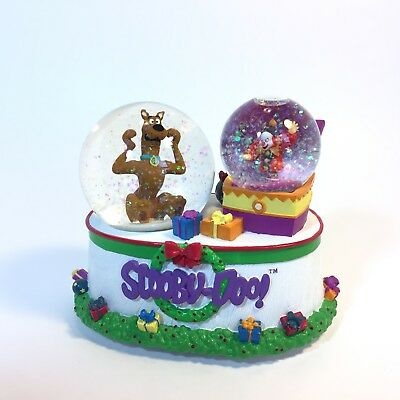 Enesco Scooby-Doo Snow Globe Musical Wind-up 'Wish You a Merry Christmas' (2000)