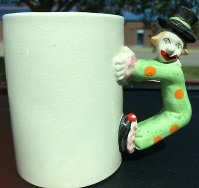 1 Vintage PORCELAIN BISQUE CIRCUS CLOWN HANDLE MUG Green