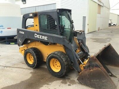 2015 John Deere 326E Skid Steer Loader