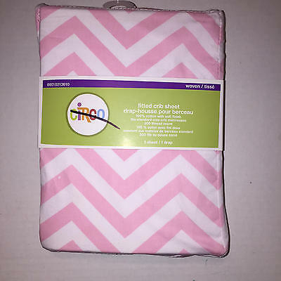 Circo Chevron  Fitted Crib Sheet Pink and White Zig Zag