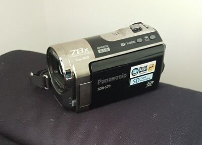 Panasonic  SDR-S70 Flash Media hybrid Camcorder VGC Video Camera with carry case