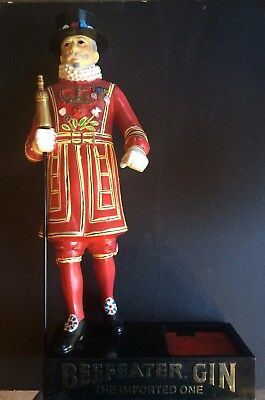 """Vintage Gin Beefeaters Gin Bar Display Beefeater Man  17"""" (Including Base)"""