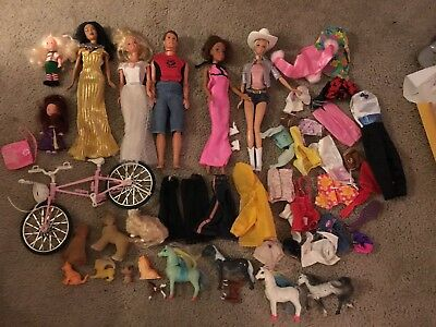 BARBIE  DOLL / MIXED LOT- Lot & Accessories
