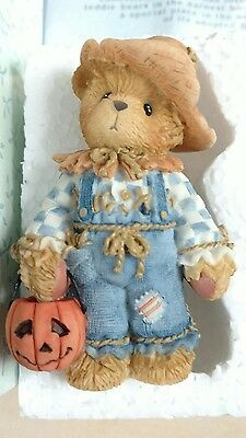 Enesco Cherished Teddies 884588 Bear your smile is a treat Tom 2001 NEW