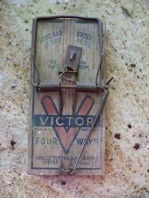 Vintage Victor Rat Trap Four Way 4 Way Trap Antique Wood Mouse Varmint Catcher