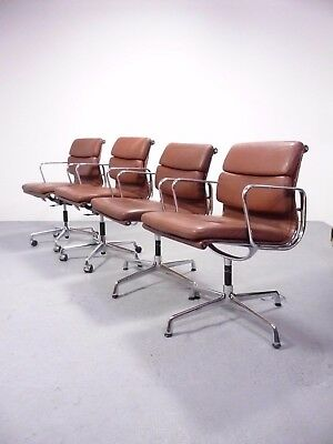 2x Vitra EA217 & 2x EA208 softpad alumium group chair, design Charles&Ray Eames