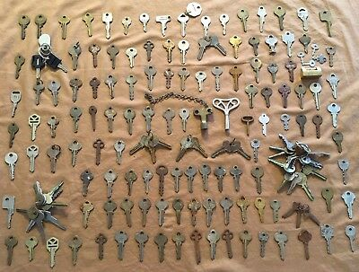 Vintage Antique Lot of 162 Keys Early 1900's to Mid Century some w/ Rings & Rare