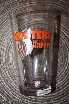 """Hooters Makes You Happy! Pint Beer Glass Almost 6"""" Tall"""