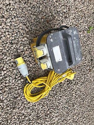 110v TRANSFORMER 3KVA WITH 2x 16amp OUTLETS AND 10m EXTENSION LEAD