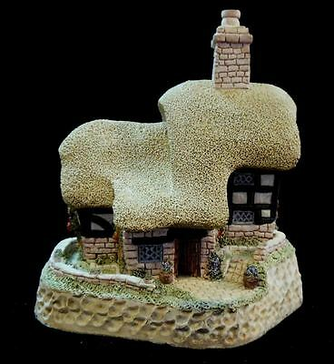 "David Winter 1990 ""Blossom Cottage"" Mint in Original Box with COA"
