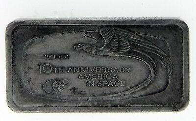 The Franklin Mint 2 troy OZ 10th anniversary America in space silver bar