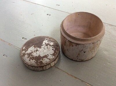 Vintage Small Circular Wooden Storage Container Pot Box Lid White Paint Patina