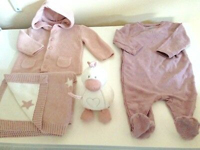 Mamas & Papas Gift Set Baby Girl Pink Knitted Cardigan Blanket Sleepsuit Toy 0-3