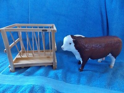Breyer Hereford Large Bull & Livestock Feeder
