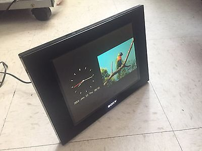 Sony DPF-D80 S-Frame Digital Picture Frame