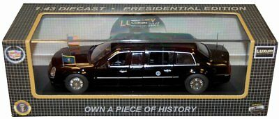 2009 Cadillac DTS Obama Presidential Limo 1/43 Diecast Replica BAD Display Case