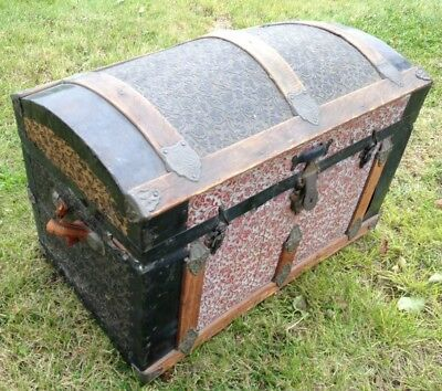 Antique Dome Top Steamer Trunk Chest Tin Panels w insert
