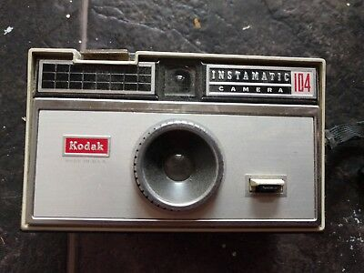 Kodak Instamatic 104 Vintage camera