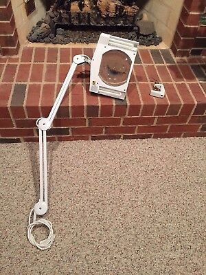56 Desk Clamp Magnifier Lamp - Extra-Large 7-inch x 6-inch Lens - 5-D...