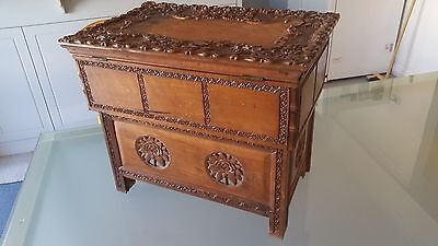 Antique Chinese Folding Box * Table * Unique Design * Great Patina * Nice One !