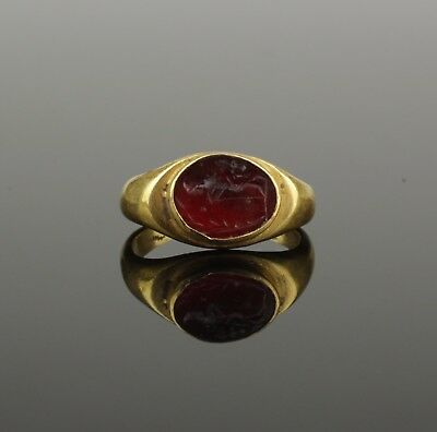 ANCIENT ROMAN GOLD INTAGLIO RING - 2nd Century AD  0045