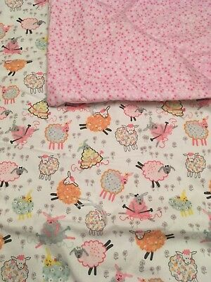 """Adorable """"Baby Lamb"""" Flannel Crib Quilt"""