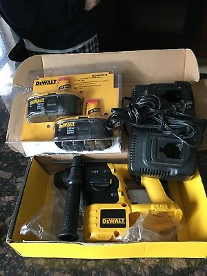 DEWALT DC212B 18V SDS ROTERY HAMMER DRILL , DC9096-2 NEW BATTERIES ,2 used charg