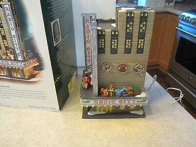 """Dept 56 Retired """"Christmas in the City"""" Radio City Music Hall 58924"""
