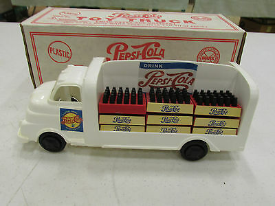 1995 Marx Plastic Pepsi Cola Truck With Pop Cases & Bottles Mint In The Box
