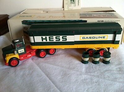 1976 Hess Christmas Collectible Truck In Original Box - Mint Condition