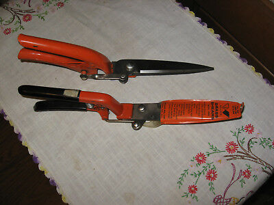2 Vintage WALLACE  Grass Shear Clipper Trimmer 49 RG & G5133-11 Nice Shape