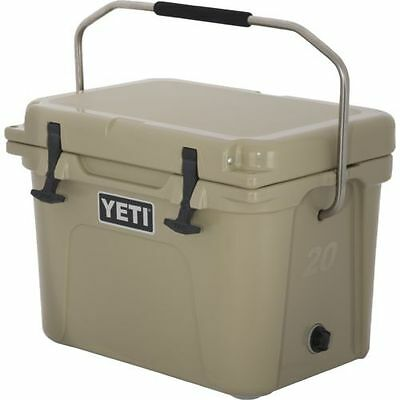 YETI Roadie 20 qt Cooler Tan Brown Color - BRAND NEW IN BOX - FREE SHIPPING -