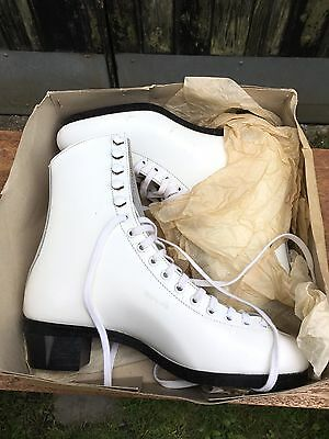 Vintage Stuburt Special Collectors Rare White Ice Skating Boots Boxed No Blades