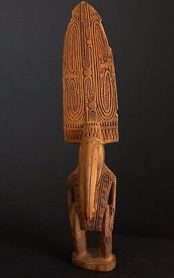 png / Papua New Guinea carving